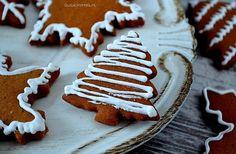 Pierniczki Świąteczne, pierniki z lukrem. Sweets, Sugar, Cookies, Desserts, Christmas, Recipes, Crack Crackers, Tailgate Desserts, Xmas