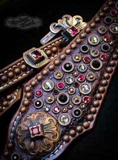 Horse Dark Oil Western Bridle Headstall Breastcollar Horse Riding Gear, Cowgirl And Horse, Western Bridles, Western Tack, Headstalls For Horses, Horse Halters, Leather Tooling, Tooled Leather, Barrel Racing Saddles