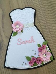 Det første kort er et min mor skulle bruge til en… Diy And Crafts, Paper Crafts, Wedding Anniversary Cards, Holiday Activities, Bridal Shower Decorations, Bridal Shower Invitations, Diy Cards, Origami, Beading Patterns