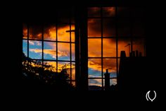 Gorgeous sunset from my room's window #EyesForLondon