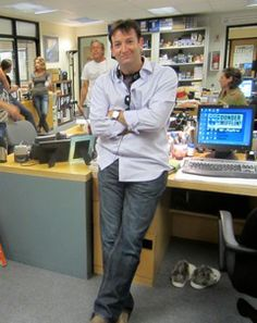 David Rogers, director and editor for The Office, The Mindy Project, and other shows (http://blog.puzzlenation.com/2014/01/16/5-questions-for-director-and-editor-david-rogers/)