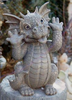 Gartenfigur Drache schneidet Grimasse Frostfest Torwächter Gargoyle NEU | eBay