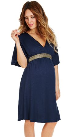 Discover the ultimate collection of maternity dresses at enviedefraises. Cute Maternity Dresses, Stylish Maternity, Maternity Wear, Maternity Fashion, Maternity Nursing, Dresses For Pregnant Women, Pregnant Wedding Dress, Pregnancy Looks, Pregnancy Outfits
