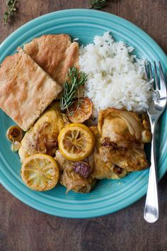Fast and flavorful Lebanese lemon chicken with shallots, fresh herbs,and a touch of turmeric--a comforting paleo dinner for fall or winter. Easy Paleo Dinner Recipes, Diet Soup Recipes, Paleo Recipes, Fast Tract Diet, Lebanese Recipes, Mediterranean Diet Recipes, Lemon Chicken, Cooking, Lebanese Chicken