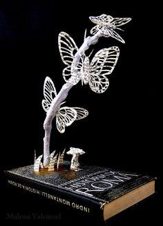 Libro intervenido - Libro de artista - Arte en Papel - Mariposas de papel sobre una rama.