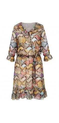Sukienki codzienne - Kolekcja wiosenna || Sukienka na wiosnę Cold Shoulder Dress, Dresses With Sleeves, Long Sleeve, Fashion, Moda, Long Dress Patterns, Fashion Styles, Gowns With Sleeves, Fasion