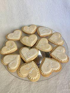 Para casamento .... (11) 999523289 biscoitosdecorados #lembrancinhadecasamento #weddinginspiration #wedinggift #cookiedecorating #amomeutrabalho #biscoitosamanteigados #biscoitosmonograma