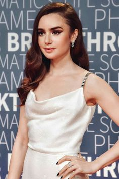 Lily Collins Cutie Lily Collins Style, Red Carpet Hair, Hairdo Wedding, World Most Beautiful Woman, Dressed To Kill, Celebrity Pictures, Girl Crushes, Amazing Women, Actresses