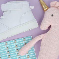 Navnelapper til merking av klær og utstyr til barn i barnehagen og på skolen Hermes, Bags, Design, Fashion, Handbags, Moda, Fashion Styles, Fashion Illustrations