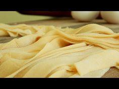 FIDEOS Caseros SIN MAQUINA   Pappardelle - Pasta Casera - CUKit! - YouTube Pasta Casera, Pappardelle Pasta, Apple Pie, Recipies, Food Porn, Desserts, Youtube, Tortillas, Cooking Ideas