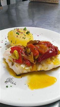 si eres una persona tan adicta como yo a este maravillo Güveç yemekleri Cod Fillet Recipes, Fish Recipes, Seafood Recipes, Fish Dishes, Seafood Dishes, Fish And Seafood, Pescado Recipe, Easy Cooking, Cooking Recipes