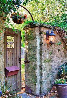 Belle  entrée  de jardin.....Oops, I mean hermoso jardin de entrada.............
