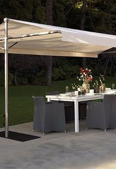 The Outdoor Papillon Shade enables your guests to enjoy your parties in shaded comfort this summer.