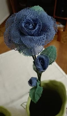 Tissue Flowers, Burlap Flowers, Lace Flowers, Doily Art, Bobbin Lacemaking, Bobbin Lace Patterns, Needle Lace, Lace Making, Ideas