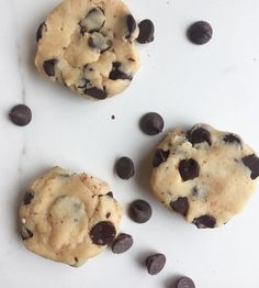 This dangerously addictive recipe is waiting to come to you in The Whole Scoop ebook when it launches NEXT WEEK (read this guy for the info and then make sure you're prepped to get a discount!) It's from one of my faves in the book: Paleo chocolate chip cookie dough ice cream.  I can't help but dig …