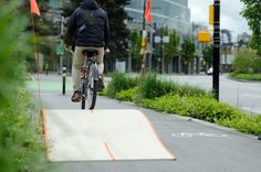 Sometimes you just need one simple idea to make a project wonderful. A new bike lane in Vancouver, Canada