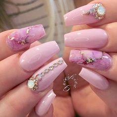 25 rosa Nageldesigns - Gucci Nails - Ideas of Gucci Nails - 25 rosa Nageldesigns Glam Nails, Classy Nails, Toe Nails, Pink Nails, Coffin Nails, Fabulous Nails, Perfect Nails, Gorgeous Nails, Pretty Nails