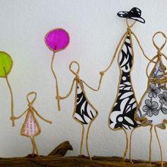 Promenade en famille - figurine en ficelle et papier