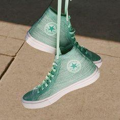 @converse y @nike se fusionan para crear una super zapatilla con el amor vintage de la primera y toda la resistencia de la segunda. La metamorfosis perfecta para tus pies 😍