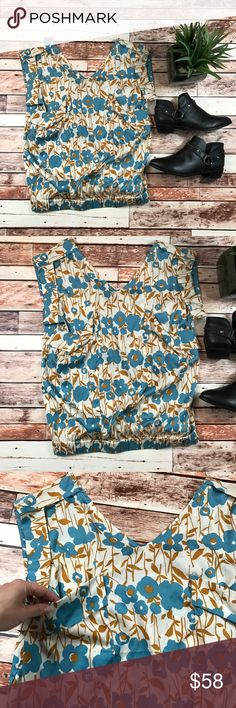 Calypso silk floral top Size small. In very good condition no flaws! Length-26, bust-19 pit to pit ***NO modeling or trades!! ::380 Calypso St. Barth Tops Blouses