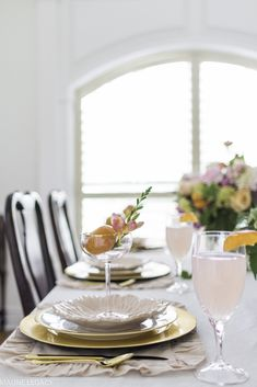 5 Tips to create a Beautiful Summer Citrus Tablescape Place Settings, Table Settings, Pink Ginger, Orange Palette, Easy Family Dinners, Pink Hydrangea, Christmas Tablescapes, Ginger Jars, Elegant Homes