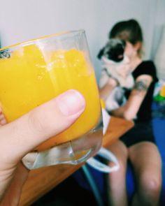 Dobre! Pom... #martwymem #zostawmygo #niechjużodpocznie  #smoothie #orange #cold #ice #hot #summer #holidays #pug