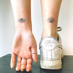 Simple Ankle Tattoo - Matching Best Friend Tattoos For Women: Cute Matching Tatt. - Simple Ankle Tattoo – Matching Best Friend Tattoos For Women: Cute Matching Tattoo Designs and Id - Beste Freundin Tattoo, Freundin Tattoos, Cute Best Friend Tattoos, Matching Best Friend Tattoos, Cute Matching Tattoos, Cute Tattoos, Simple Ankle Tattoos, Tattoos Realistic, Tattoo Designs