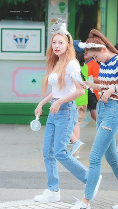 dedicated to female kpop idols. Seulgi, Kpop Fashion, Fashion Outfits, Airport Fashion, Red Velvet Cheesecake, Kim Yerim, Velvet Fashion, Airport Style, South Korean Girls