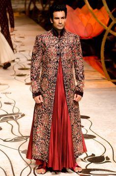 jazzsparks:  Rohit Bal India Bridal Fashion Week 2013 (x)