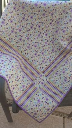 Solution for running out of backing fabric. Snippy Sisters : Joyce's quilt