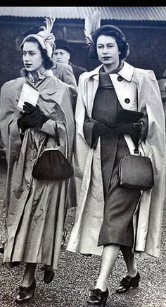 2 children of King George VI (Albert Frederick Arthur George) & Elizabeth (Elizabeth Angela Marguerite Bowes-Lyon) Princesses Margaret Rose & Elizabeth II (Elizabeth Alexandra Mary) George Vi, Princesa Margaret, Lady Diana, Kate Middleton Queen, Die Queen, Mode Chanel, Isabel Ii, Royal Life, Queen Of England