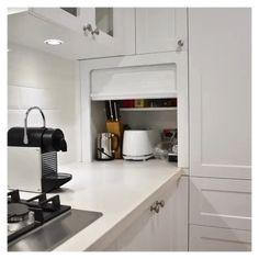 Kitchen Countertop Organization, Kitchen Appliance Storage, Kitchen Pantry Design, Modern Kitchen Design, Kitchen Layout, Interior Design Kitchen, Kitchen Cabinets For Microwave, Corner Kitchen Cabinets, Kitchen Cabinet Interior