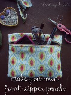 Make a small zipper pouch the easy way! Great sewing project for beginners. DIY.