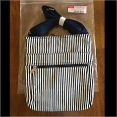 31 Organizing Shoulder Bag Navy Pinstripe SALE Thirty-One Organizing Shoulder Bag Navy Pinstripe . Adorable spring cross-body purse! Brand new with tags never used ! Retail $45 (including tax) Thirty-One Bags