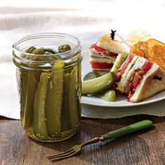 Southern Pickle Recipes: Dill Pickle Spears