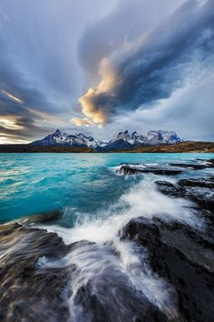 bluishness:    Whisper of Paine by Ian Plant