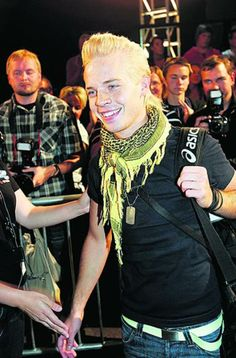 Sauli Koskinen entering to the BB house 2007