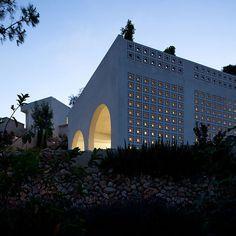 Agbaria House by Ron Fleisher Architects/Musmus ,Haifa , Israel.