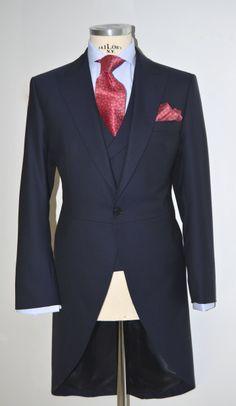 Chaqué marino en tejido espiga Morning Dress, Wedding Topper, Wedding Pinterest, Style Men, Wedding Suits, Fashion Men, Mens Suits, Got Married, Gentleman