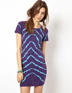 b82f66eca60 ASOS Bodycon Dress In Chevron Tie Dye - inspiration