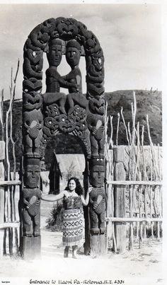 People of the Pacific Polynesian People, Polynesian Culture, Maori People, Maori Designs, Maori Art, Kiwiana, Indigenous Art, Ocean Art, Aboriginal Art