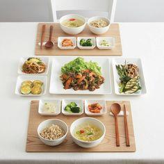 805 отметок «Нравится», 5 комментариев — Korean lifestyle brand (@jaju_shinsegae) в Instagram: «하얀 그릇 라온으로 차린 정갈한 밥상, 식사부터 디저트 시간까지! 라온이라는 이름의 뜻처럼 더 즐거운 테이블에 마주앉으세요 _ 라온 시리즈…» Food Porn, K Food, Food Design, Asian Recipes, Healthy Recipes, Aesthetic Food, Korean Food, Food Presentation, Food Plating