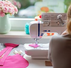 Been wanting to learn to sew, but haven't even figured out how to turn your sewing machine on? Master your sewing machine and learn the sewing basics. Sewing Tutorials, Sewing Hacks, Sewing Projects, Sewing Patterns, Sewing Tips, Sewing Ideas, Shirt Patterns, Clothes Patterns, Dress Patterns