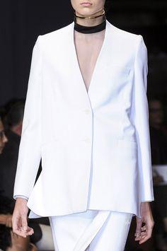 Givenchy at Paris Fashion Week Spring 2013 - Details Runway Photos Minimal Fashion, White Fashion, Diy Fashion, Womens Fashion, Fashion Design, Fashion Trends, Minimal Style, Paris Fashion, Love Couture