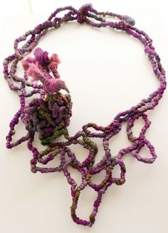 Leaving the Nest - Francesca Cecchini (2014), necklace // Materials: repurposed sari silk, silk thread, copper wire.