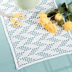 Filet crochet table runner - DIY table decor - free crochet pattern