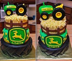 John Deere Tractor Cake. This is sooo cool!!!