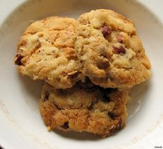I found the original recipe in a magazine at my gran's place, and modified it a wee bit. :q    RECIPE: VEGAN NECTARINE & HAZELNUT COOKIES  24-32 cookies – 45 minutes – suitable for freezing    1 dl = 0.422675 cups.  1 cup = 2.365882 dl. :)    - Slightly less Expand Your Way of Life Dramatically just by Grabbing my $77 Present for Free NOW!