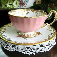 ♥•✿•♥•✿ڿڰۣ•♥•✿•♥   Aynsley Tea Cup and Saucer  Pattern: Marlow with older Globe pink backstamp. Set is in wonderful vintage condition, showing usual wear to bases and only very light wear to gilt highlights and rims.    http://vintage-keepsakes.com/  ♥•✿•♥•✿ڿڰۣ•♥•✿•♥