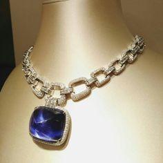 Bulgari Gems Jewelry, High Jewelry, Luxury Jewelry, Diamond Jewelry, Gemstone Jewelry, Jewelry Necklaces, Diamond Necklaces, Jewellery Sketches, Italian Jewelry
